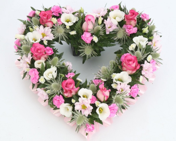pink-and-white-mixed-heart-funeral-flowers-sheffield